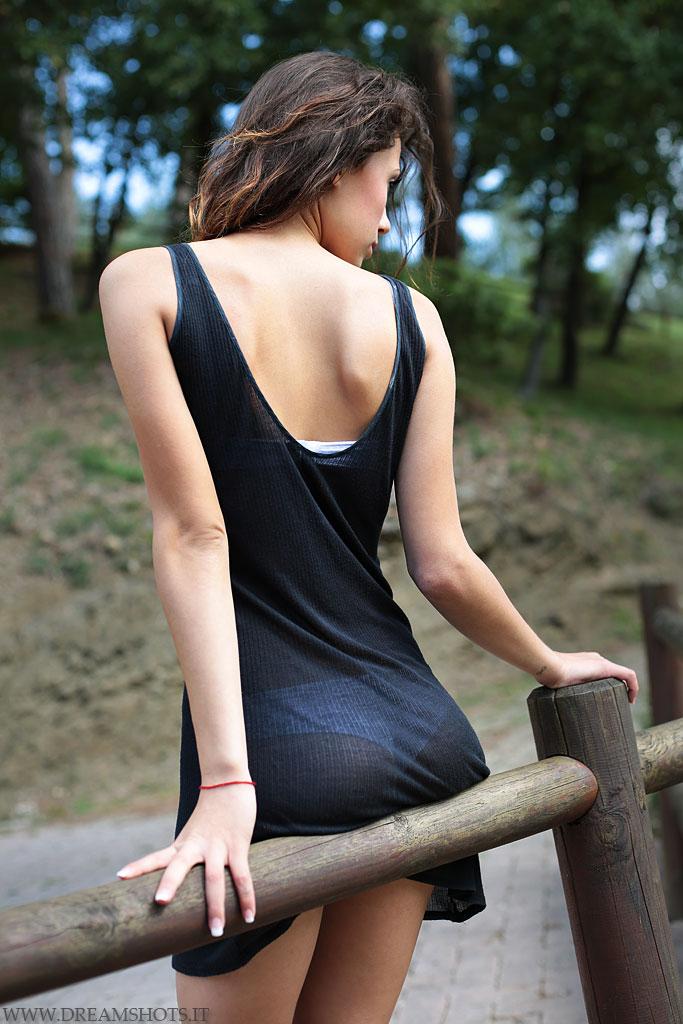 femme sexy en string du 05 dispo pour cam live x