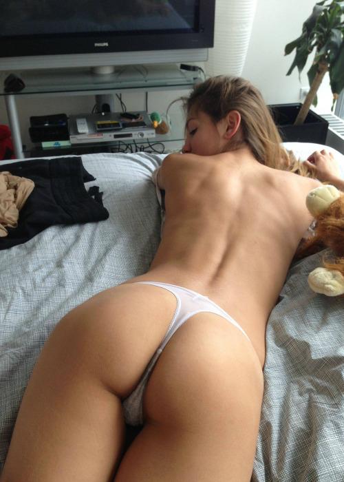 femme sexy en string du 48 dispo pour cam live x